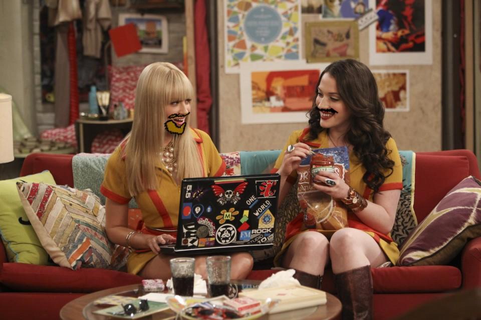 2-broke-girls-laptop